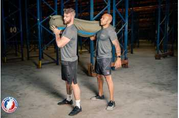 Deux hommes portant un sandbag XXL - LEVEL addict