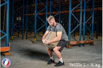 Homme en position de porter un Strongbag L - LEVEL addict